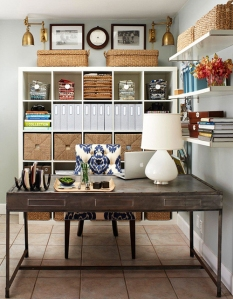 Storage selves that can hold baskets or books for great function.