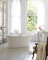 A modern play on the free-standing tub design. Clean and elegant this creates a perfect state of relaxation.